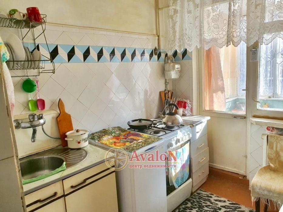 продажа трехкомнатной квартиры номер A-144650 в Суворовском районе, фото номер 6
